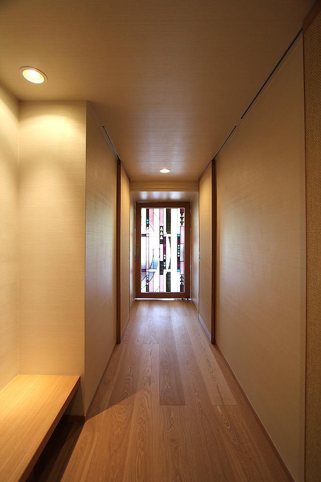 京都市Y様邸の部屋 高級感のあるステンドグラスのドア