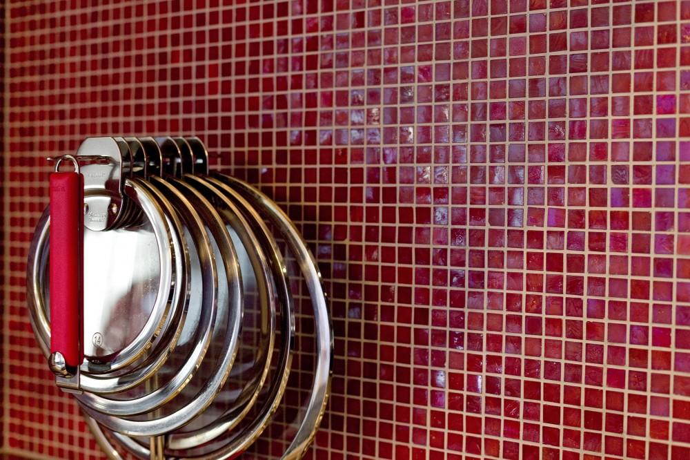 ラグジュアリーモダン (赤いガラスタイル)
