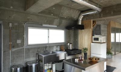 シンプルで格好いい業務用キッチンが人気