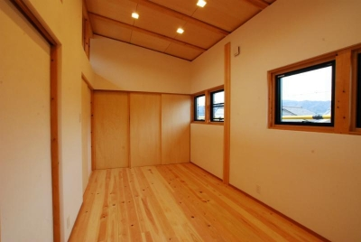 洋室 (Wood stucco house)