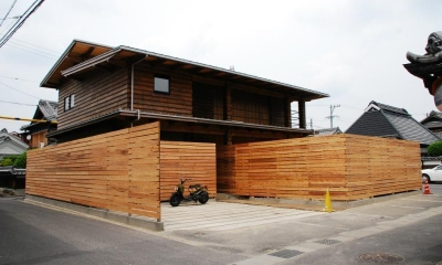 Wood stucco house (外観)