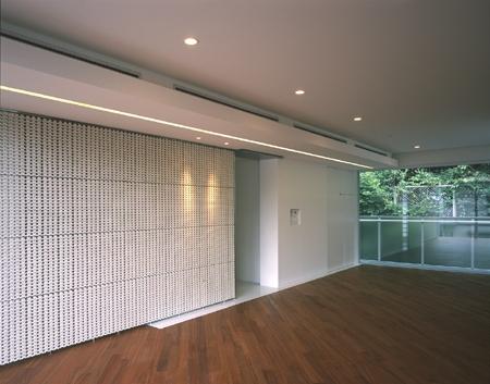 HIROO FLAT:地形への応答の部屋 リビングルーム