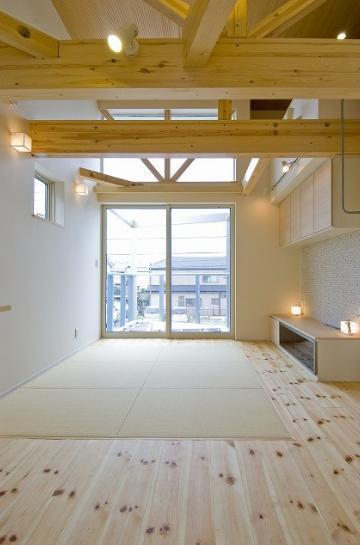 江戸川の家の写真 天井の高いリビング