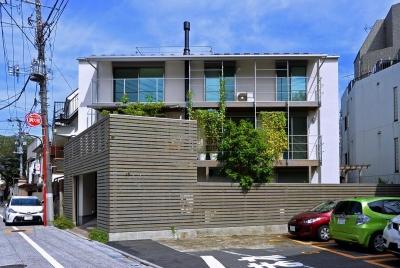 雑司が谷ZEH/ネット・ゼロ・エネルギー・ハウス (南外観)
