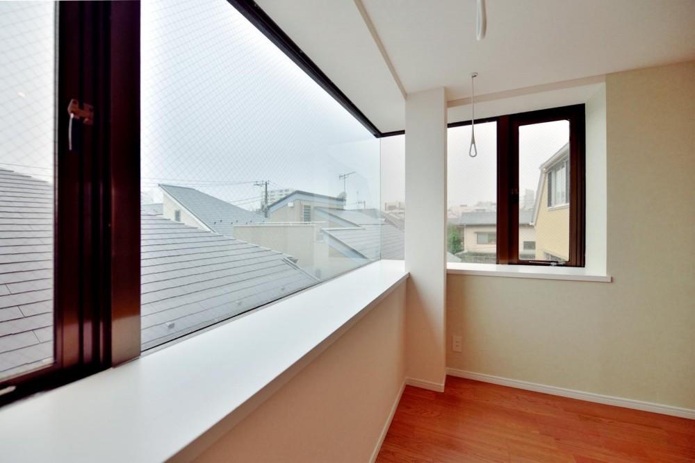 Cuestudio(キュースタジオ)「2室→1室の広々1LDKリノベーションでワイドキッチンを中心にする暮らし」