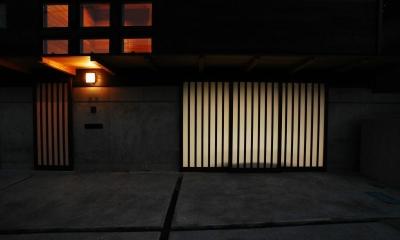 地下車庫のある家 (玄関)