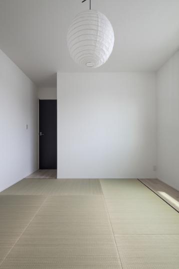 スロープの家 / 愛犬家住宅の部屋 畳の間