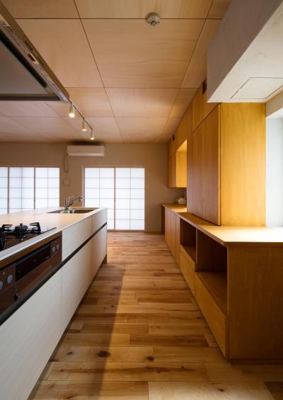 キッチン (宮崎町の家(リノベーション))