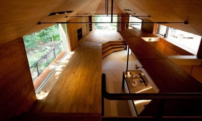 リビング|レイヤード 森にうかぶ小屋