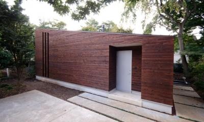 木漏れ日屋根の家 (片流れ屋根の外観)