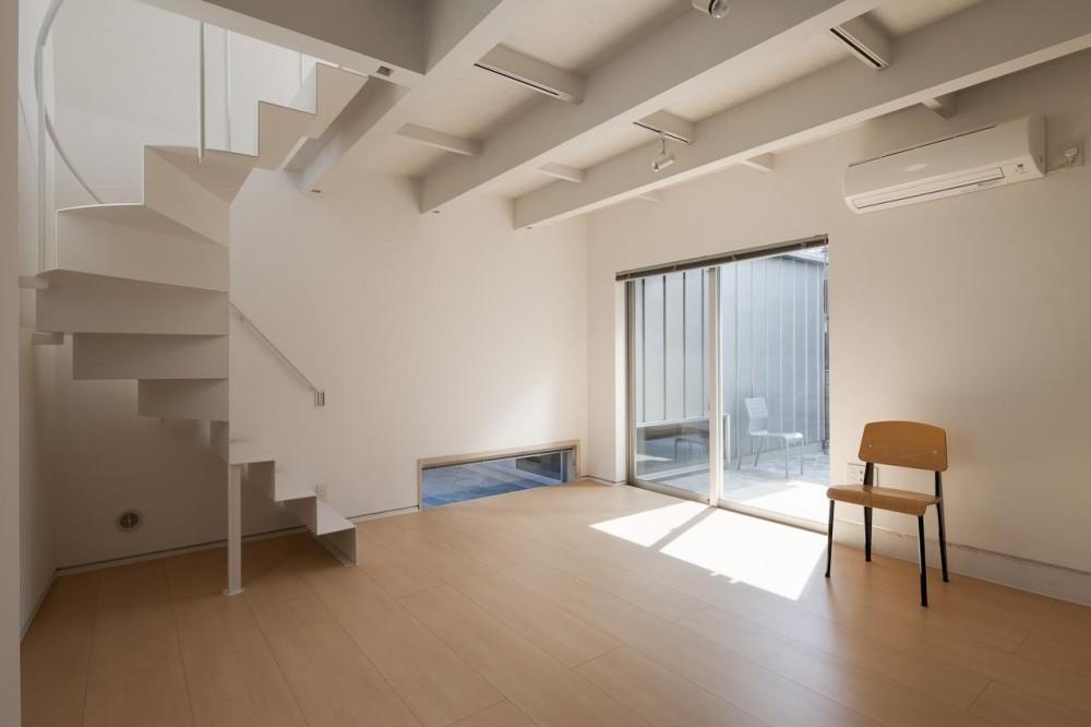 ヤクモアパートメント (メゾネット+専用の庭をもつ住戸)