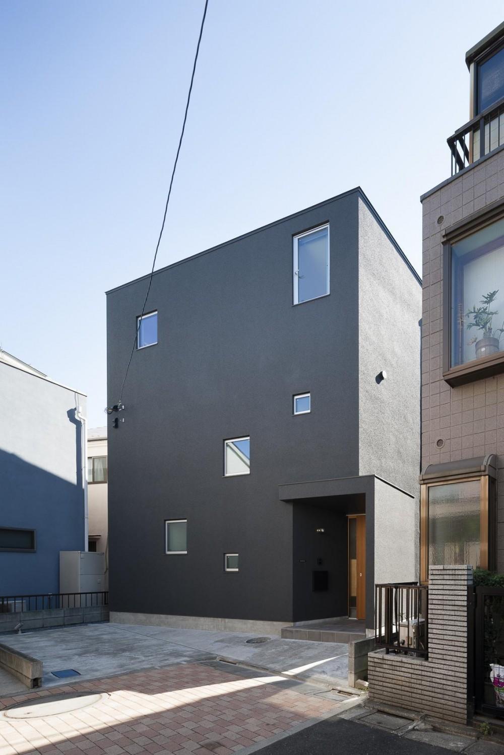お花茶屋の住宅 (密集地に建つ3階建住宅)
