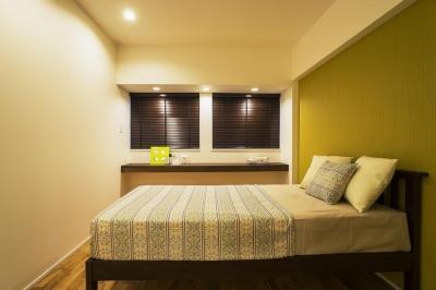 Bedroom (ガラス素材に囲まれたキラメキの家)