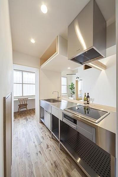 子世帯のキッチン (両世帯の要望も叶えつつ、見事に調和をさせた完全二世帯住宅【3000万円】)