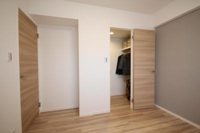 洋室 (開放感溢れる寛ぎの住空間)