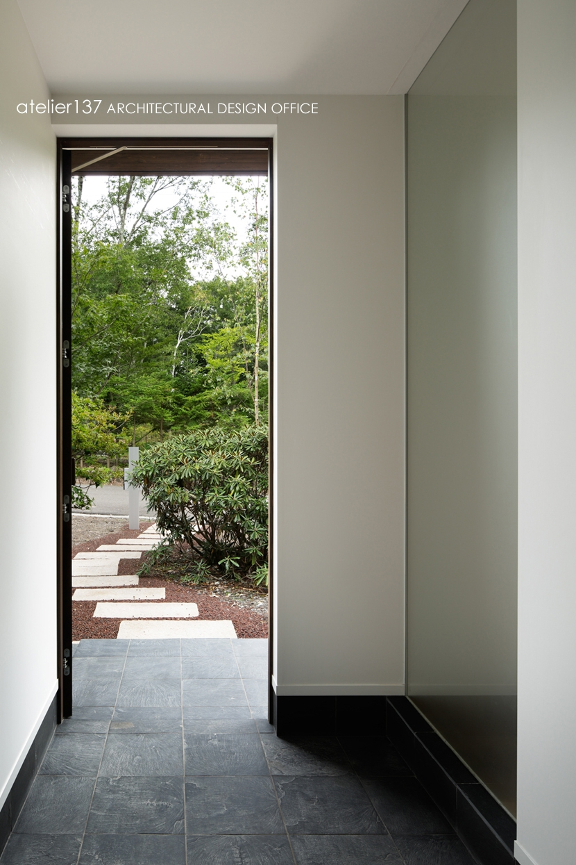 024軽井沢Hさんの家 (玄関)