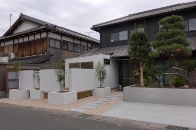 外観 (9平米の増築と外構でつながる広がりのある家(城東の家リノベーション))