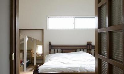 都会の中でナチュラルに暮らす為の家 (寝室)