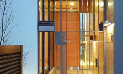 木造のスケルトンリフォーム|HT-house (玄関ポーチ夜景)