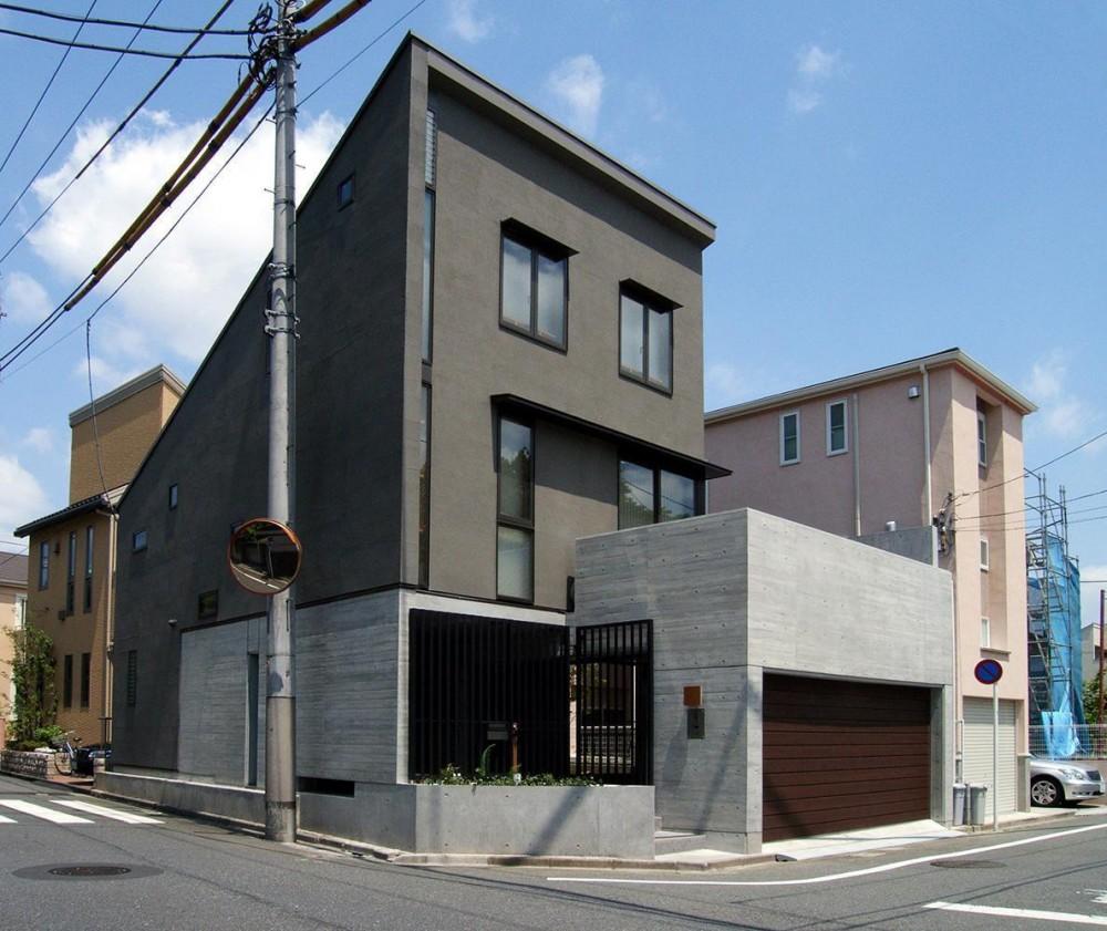 地下1階地上3階の混構造|バス通りの家 (外観)