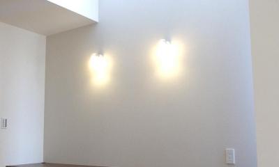 狭小敷地に建つ木造耐火の3階建て住宅|亀戸の家 (ハイサイドから光の入るワークスペース)