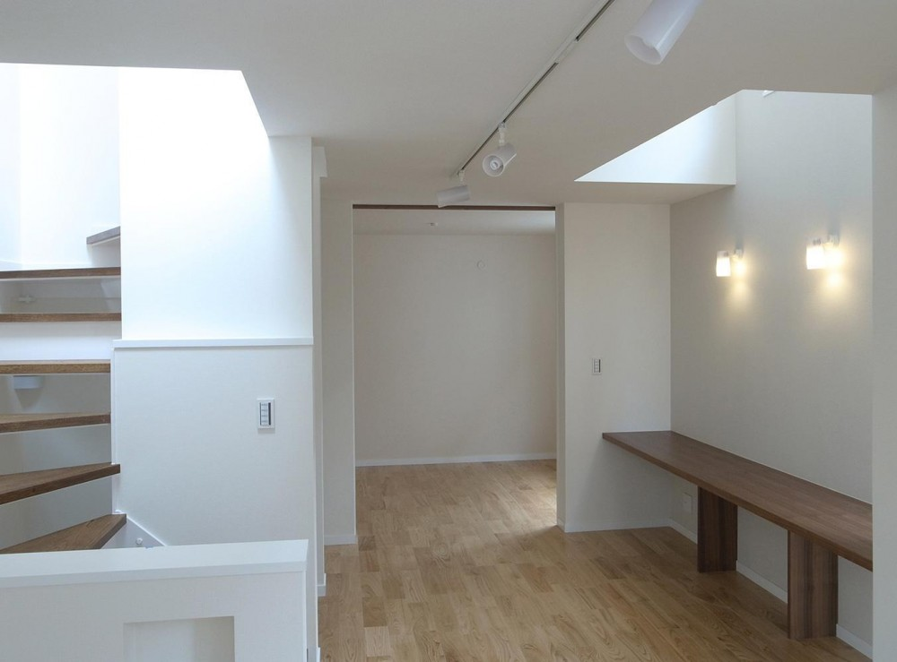 狭小敷地に建つ木造耐火の3階建て住宅|亀戸の家 (開放感のあるワークスペース)