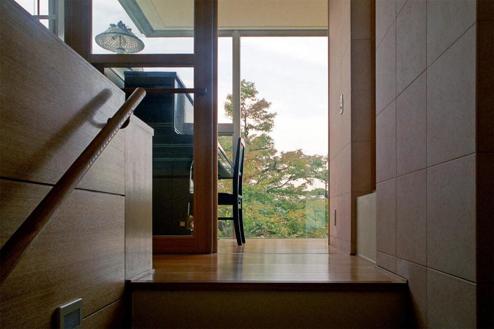 RC造の三世代住宅|六条の家 (ピアノコーナー)