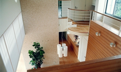 RC造の三世代住宅|六条の家 (リビング吹抜け見下ろし)