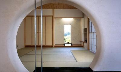 RC造の三世代住宅|六条の家 (仏間の丸窓)