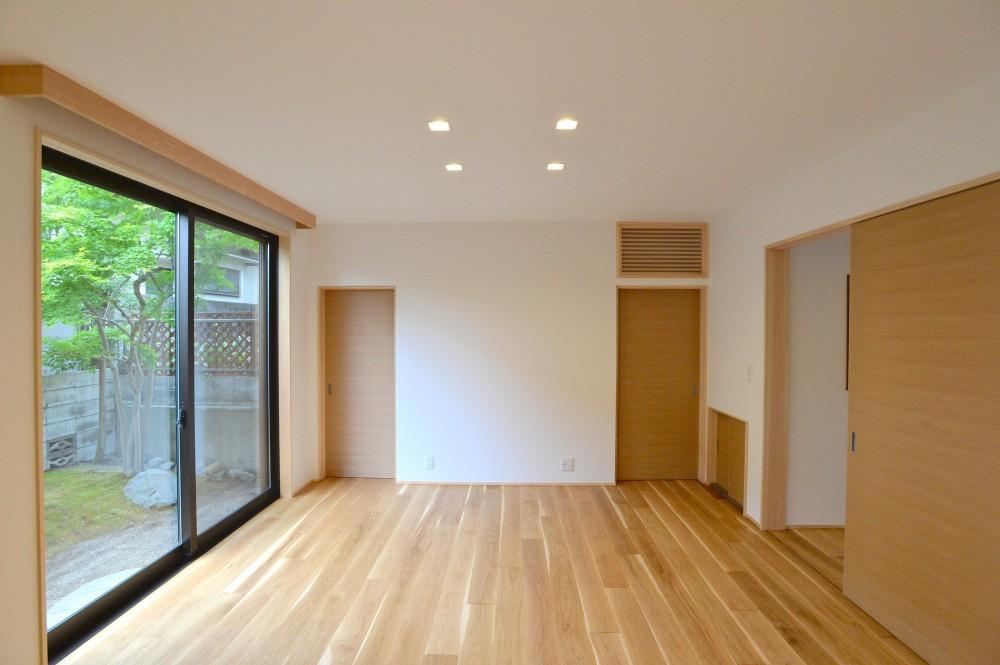 HOUSE F (寝室)