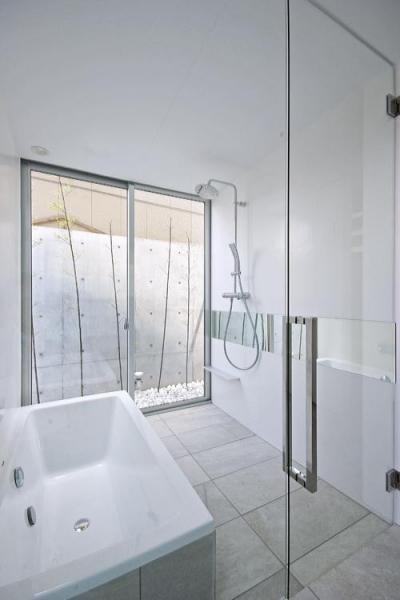 浴室 (宿町の家)