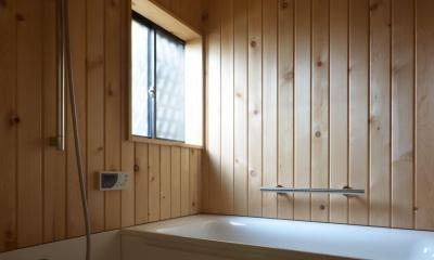 荻窪K邸-二世帯住宅を一世帯で使用、こだわりの部分リノベーション- (青森ヒバの浴室)