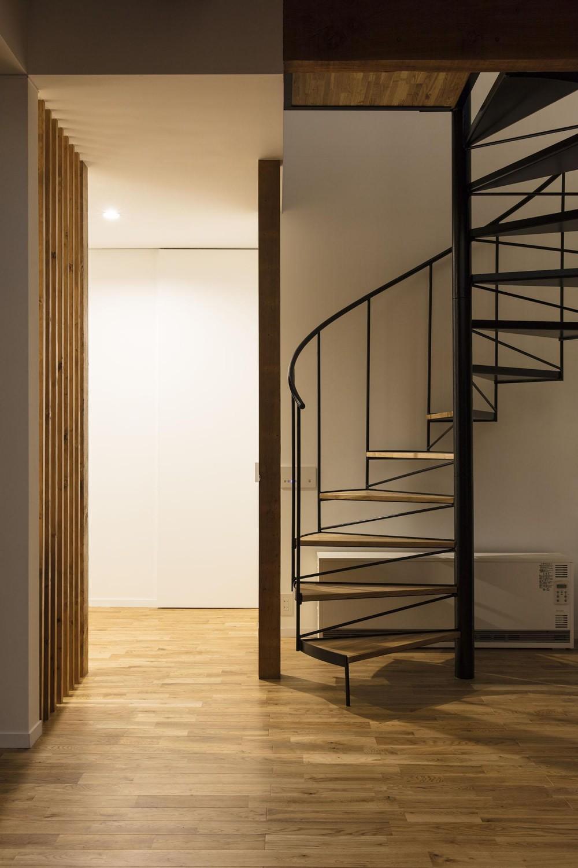 西が岡I邸-魅力ある空間に一新させる吹抜けと螺旋階段- (螺旋階段)