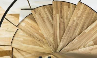 西が岡I邸-魅力ある空間に一新させる吹抜けと螺旋階段-