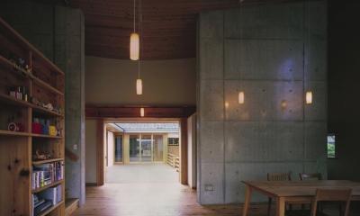 二路 ninji (実家の居間と「時の路」でつながるリビング)