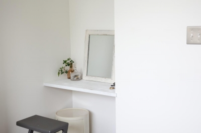 寝室 (緑と日差しと、ナチュラルな素材。見えないところも丁寧に仕上げた、子供にも優しい住まい。)