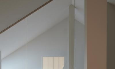 小岩の二世帯住宅 (ロフトスペース 階段室から光を取り込む(子世帯))