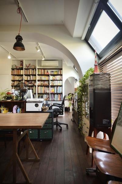 書斎 (住うと仕事を楽しむ、レトロな雰囲気)