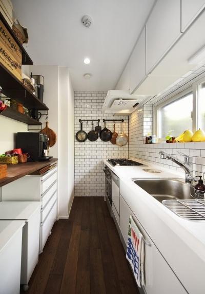 キッチン (住うと仕事を楽しむ、レトロな雰囲気)