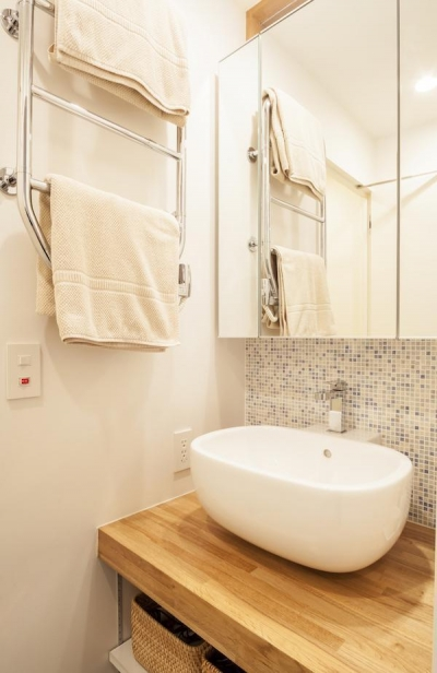 洗面所 (U邸-築18年、使っていない「倉庫」を整理した)