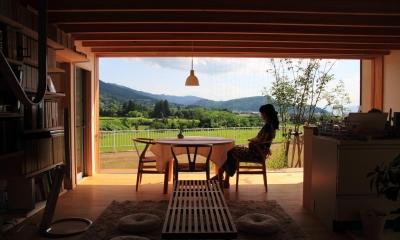 白鷹の家 (自然を感じる大きな窓)