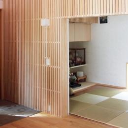 白鷹の家 (木格子のある和室)