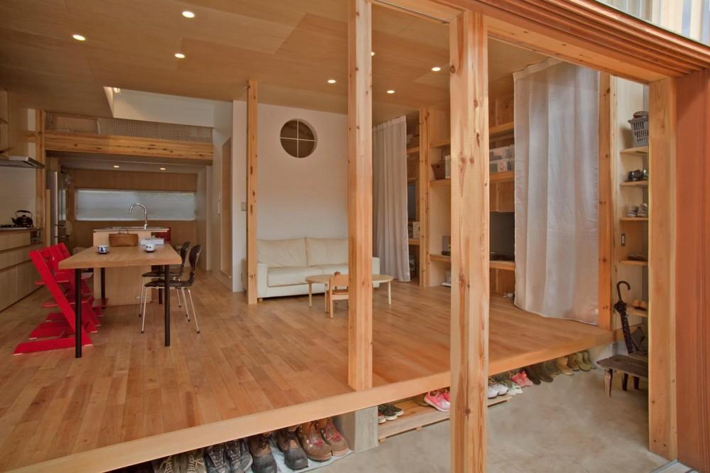 貫井北町の住宅 (土間より室内を見る)
