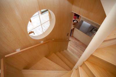 階段見下ろし (貫井北町の住宅)