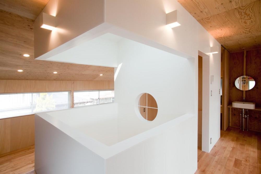 貫井北町の住宅 (吹抜と階段のボックス)