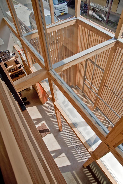 貫井北町の住宅 (2階室-2より土間を見下ろす)