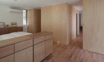 東大泉の住宅 (寝室より階段ボックスを見る)
