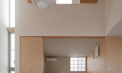 東大泉の住宅 (リビングより和室を見る)