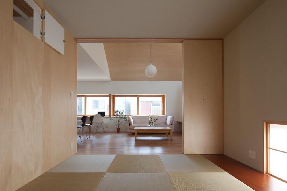 東大泉の住宅 (和室よりリビングを見る)