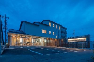 前橋の住宅と動物病院 (北側夜景)